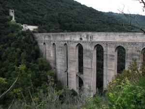 ラ・カリファ 背景の橋
