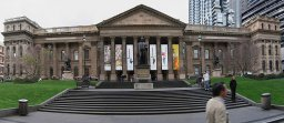 800px_Vic_State_Library_Facade_Pano_19.07.06_edit1.jpg