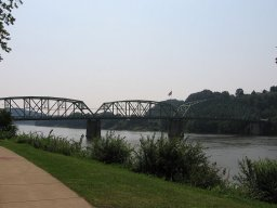 800px_Kittanning_Citizen_s_Bridge.JPG